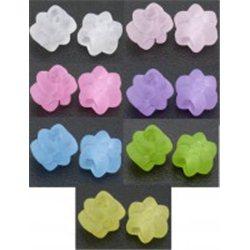 KVĚTINA - plastový korálek L2636 bílá